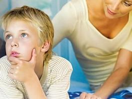 """""""Educar pressupõe sempre desagradar à criança"""", diz psicóloga Rosely Sayão"""